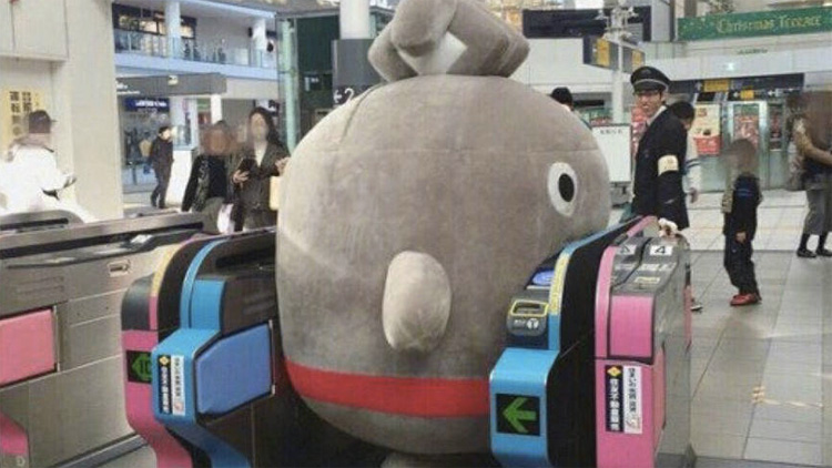 Japanese Mascot Characters Get Stuck