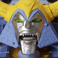Hasbro Aims to Crowdfund Largest Transformers Figure Ever